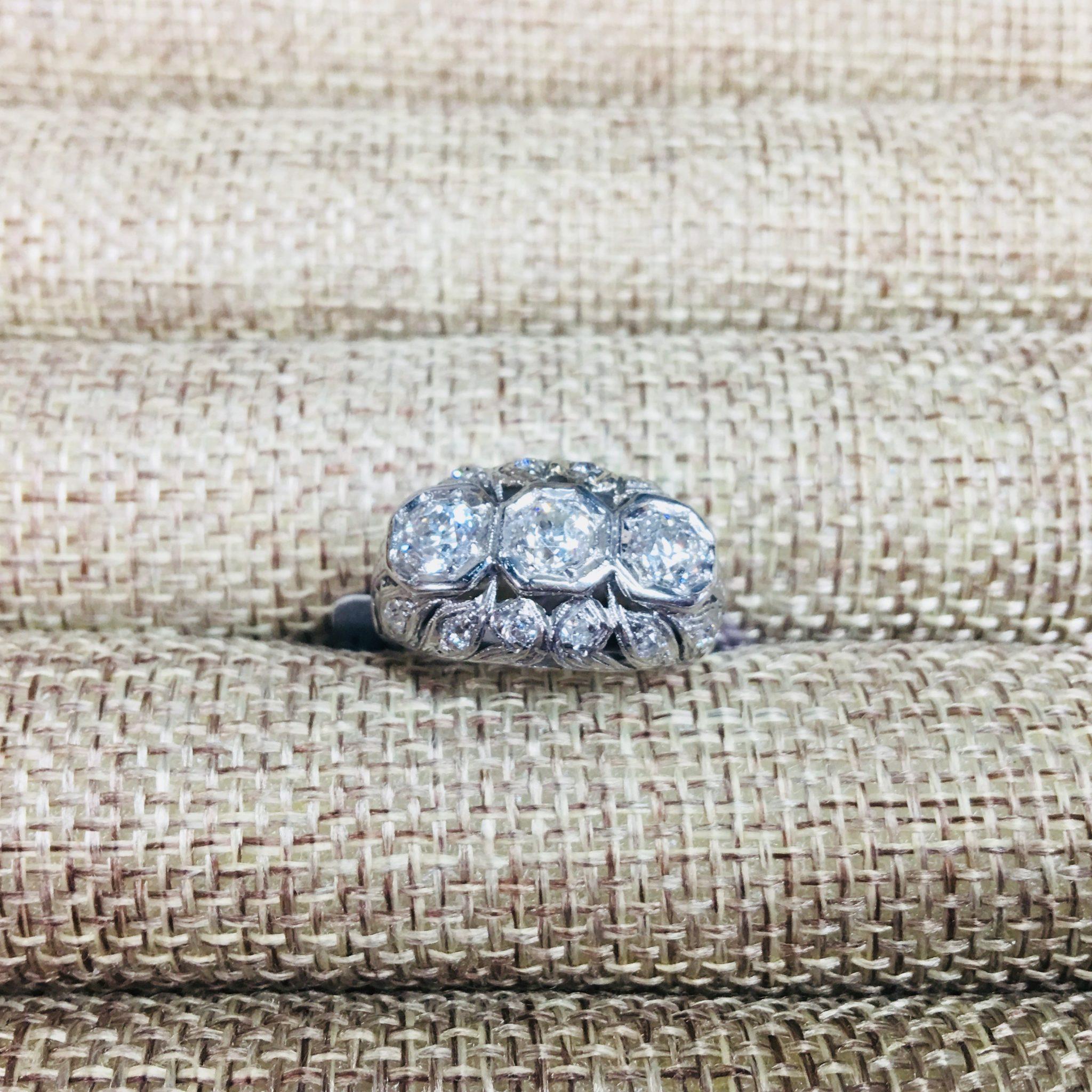 3 stone plat ring